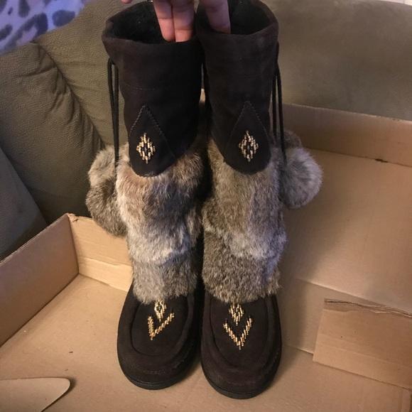 06081d4b8ef89 Muks suede & rabbit fur boots